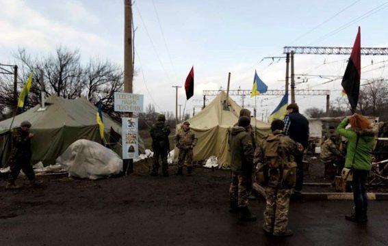 Ukraine blockade tensions rise in rebel-held east